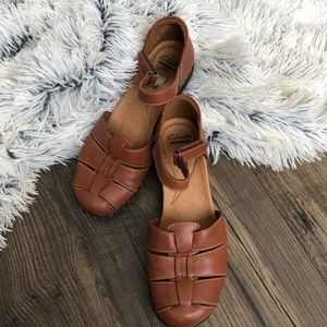 Clark's Cushioned Sandals